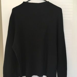 H&M black mock neck sweater Sz medium